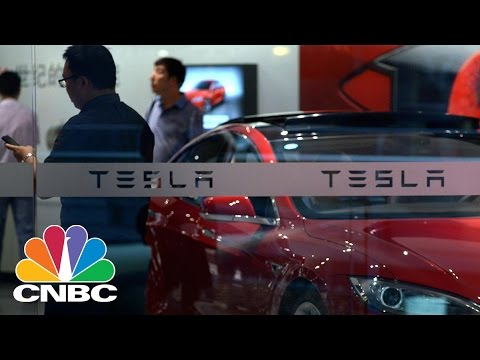 Elon Musk Taunts Tesla Shortsellers In New Tweet | Power Lunch | CNBC