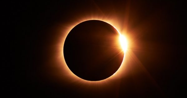Advised clients fail to jump on board as ETFs eclipse index funds
