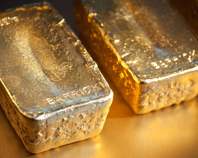 The Gold ETF Held Key Level, Commodities Near 'Golden Cross' As Dollar Peaks