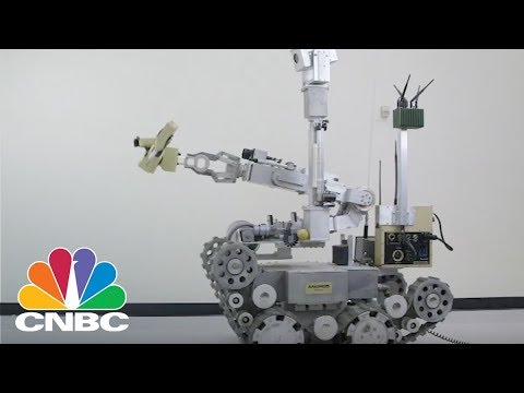 A Virtual Reality-Controlled Robot Is So Good At Defusing Bombs That It Can Perform Surgery | CNBC